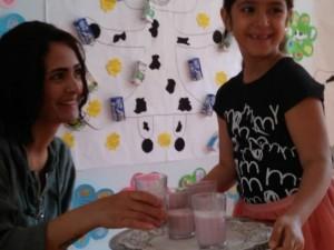 6 yaş..çalışkan arılar..süt ve süt ürünleri ile ilgili proje çalışmalarımızı..okulumuza gelen velilerimize sunduk