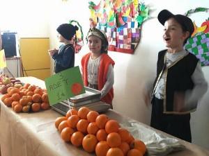 """6 Yaş Çalışkan Arılar Sınıfının düzenlediği Yerli malı ve Tutum haftasına yönelik """"Pazar yeri""""etkinliğimiz…"""