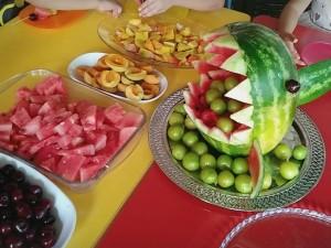 Yaz Mevsimi..Yaz meyvelerini tanıdık,meyve çubukları yaptık…